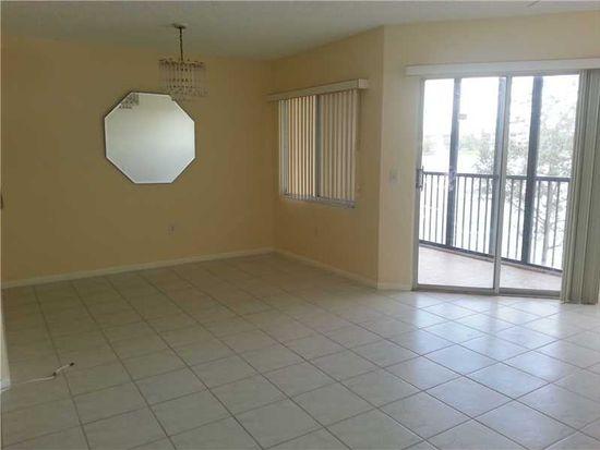 13701 SW 12th St APT 212-A, Pembroke Pines, FL 33027