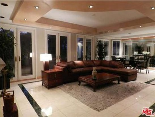121 N Almont Dr APT 205, Beverly Hills, CA 90211