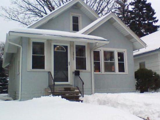 2905 31st Ave S, Minneapolis, MN 55406
