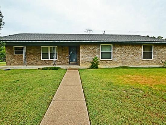 405 Stony Creek Dr, Desoto, TX 75115