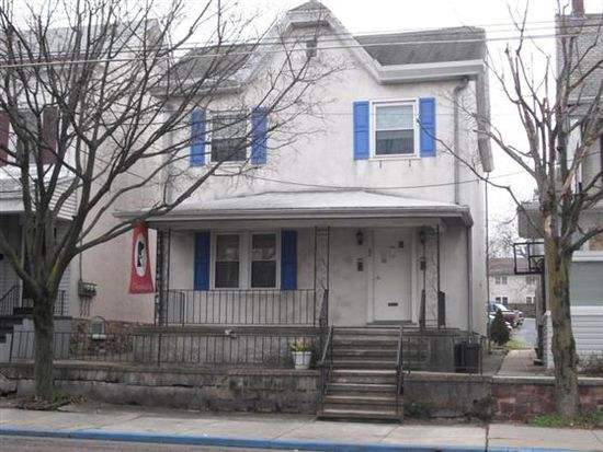 32 W Lancaster Ave, Shillington, PA 19607