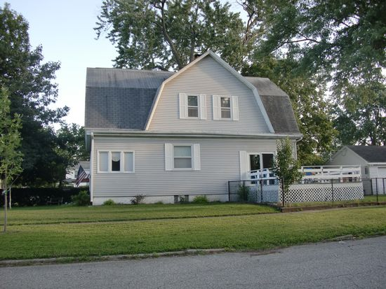 205 S 5th St, Clinton, IN 47842
