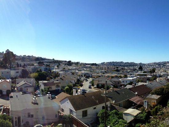 2 Robinson Dr, San Francisco, CA 94112