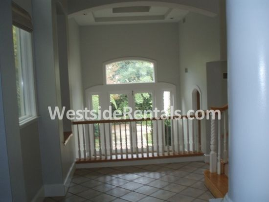 10515 Oaklawn Rd, Los Angeles, CA 90064