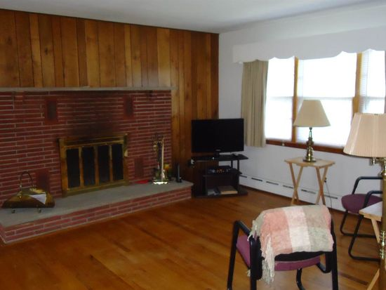 1673 Valley View Rd, Martinsville, NJ 08836