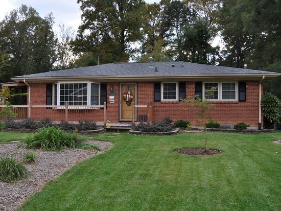 700 Westview Dr, Danville, VA 24540