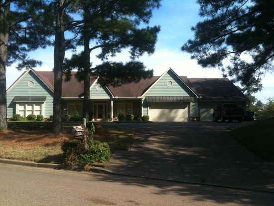 9721 Green Spruce Dr, Lakeland, TN 38002