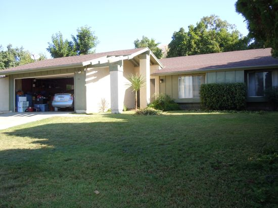 2637 Mercedes Ave, Highland, CA 92346