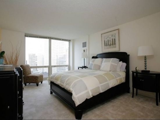 750 N Rush St APT 1803, Chicago, IL 60611