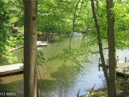 2010 Upper Lake Dr, Reston, VA 20191