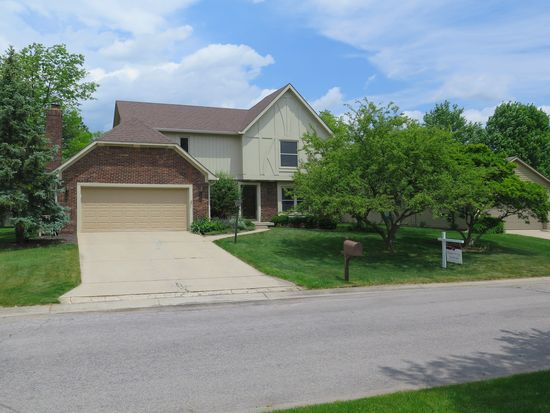 8038 Clearwater Dr, Indianapolis, IN 46256