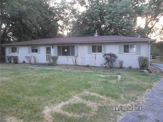 9015 Cooper Rd, Zionsville, IN 46077