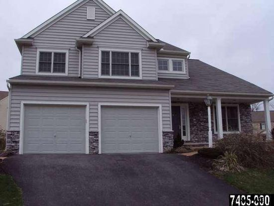 408 Bellaire Dr, York, PA 17402