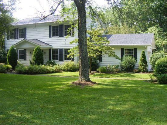 1136 Ridgemont Dr, Meadville, PA 16335