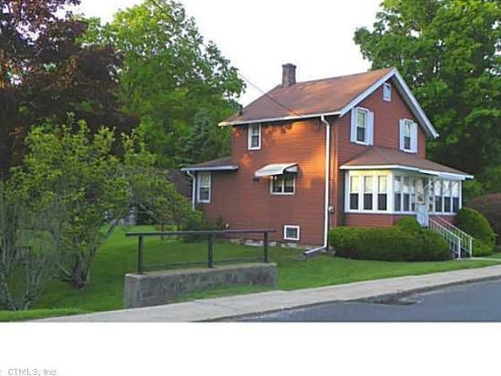 14 Pease St, Canaan, CT 06018