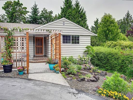 1122 SW Normandy Ter, Normandy Park, WA 98166