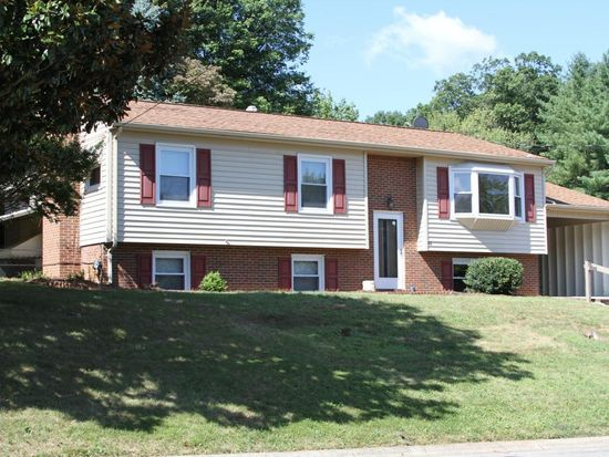 66 Sawyer Dr, Salem, VA 24153