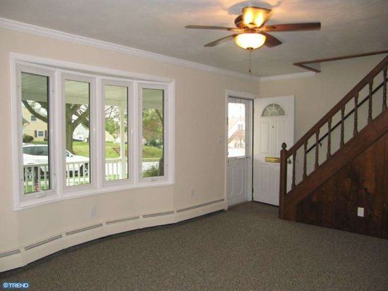521 Reeves Dr, Phoenixville, PA 19460