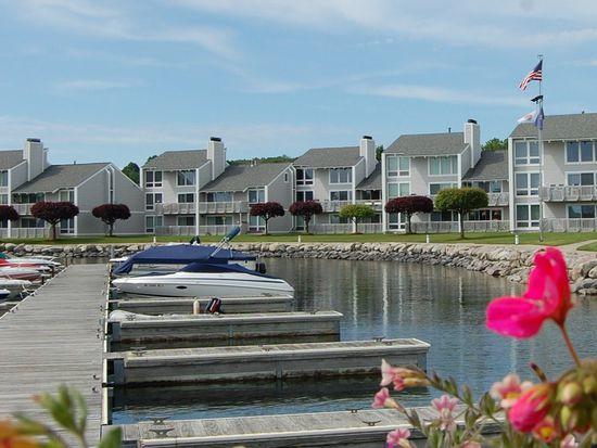 721 N Lake St APT C, Boyne City, MI 49712