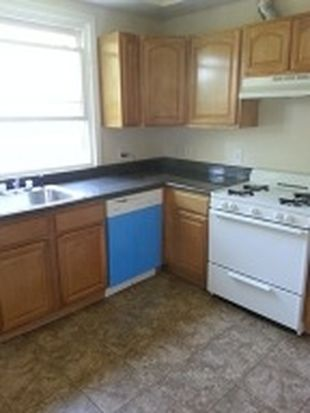 82 S 13th St, Newark, NJ 07107