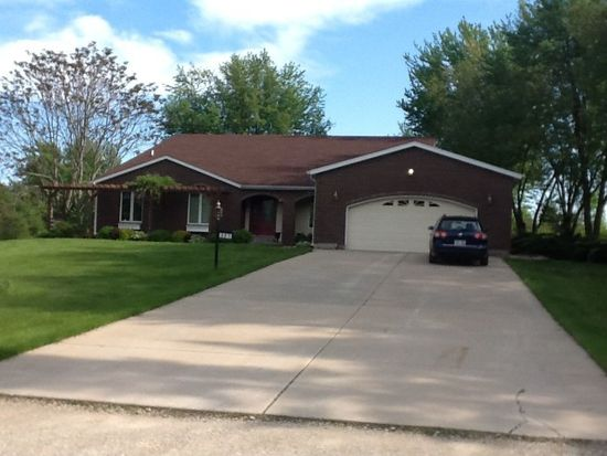 327 100th St, Pleasant Prairie, WI 53158
