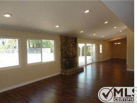 20811 Tiara St, Woodland Hills, CA 91367