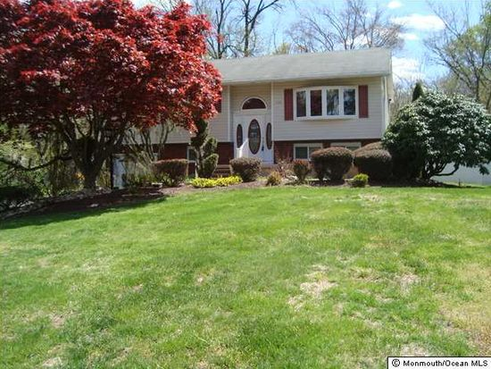 35 Greenleaf Dr, Manalapan, NJ 07726