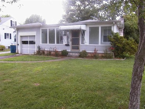 1507 Nutwood St, Bowling Green, KY 42104