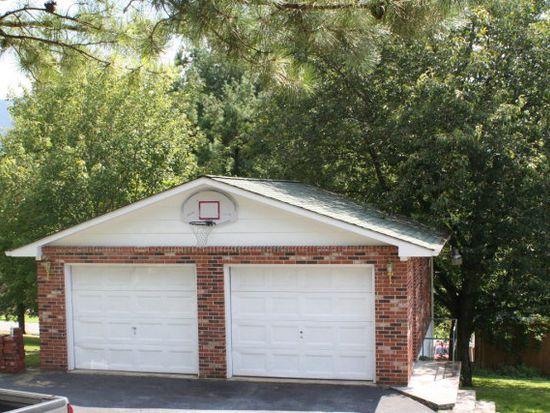 152 Austin St, North Tazewell, VA 24630