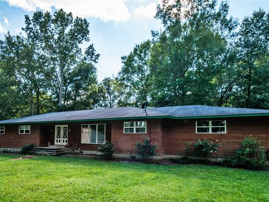 203 Country Pl, Brandon, MS 39047