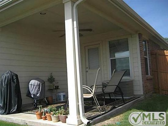 15628 Gatehouse Dr, Roanoke, TX 76262