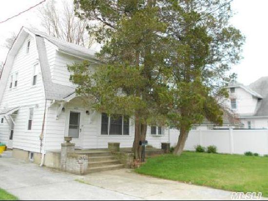 320 Barr Ave, Woodmere, NY 11598