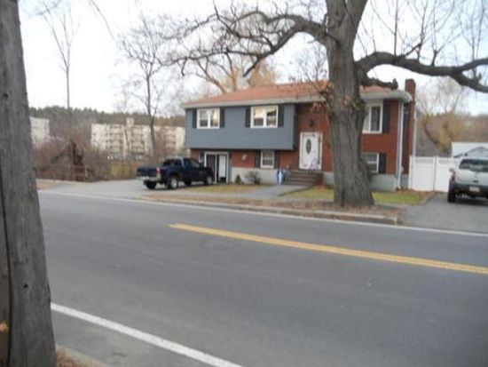 285 W Wyoming Ave, Stoneham, MA 02180