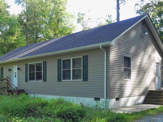1668 Hallieford Rd, Cobbs Creek, VA 23035