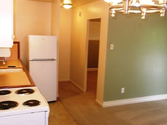 4005 Fremont Ave N APT A, Seattle, WA 98103