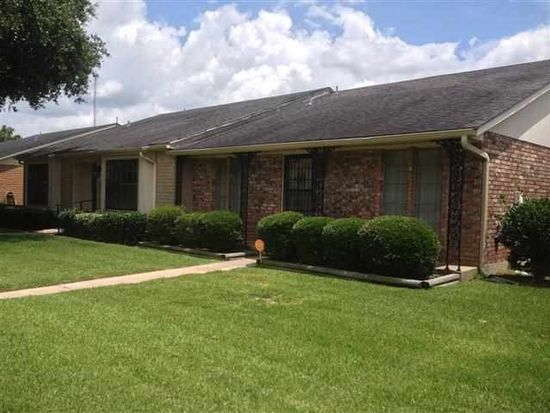 5955 Meadow Way, Beaumont, TX 77707