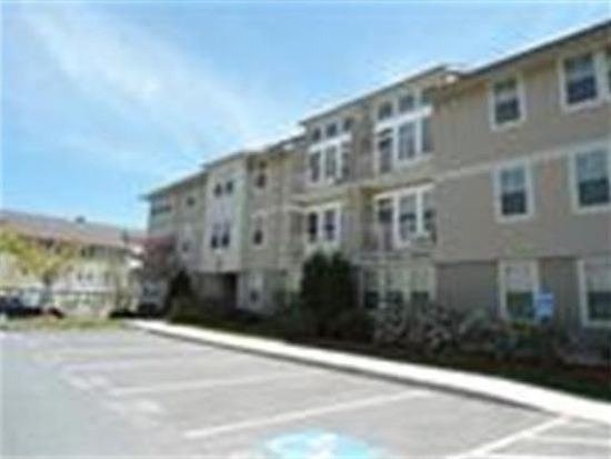 4 Harvest Dr UNIT 212, North Andover, MA 01845