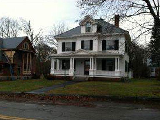 34 Park St, Wilton, NH 03086