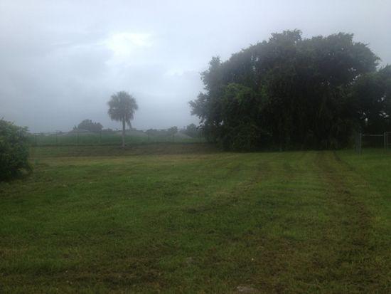 825 Zana Dr, Fort Myers, FL 33905