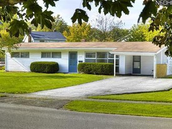 5472 Decker Rd, North Olmsted, OH 44070