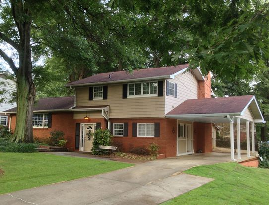 21 Buckingham Rd, Greenville, SC 29607