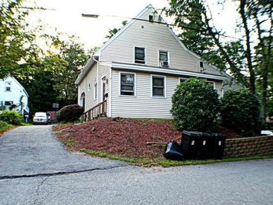 9 Lawrence St, Derry, NH 03038