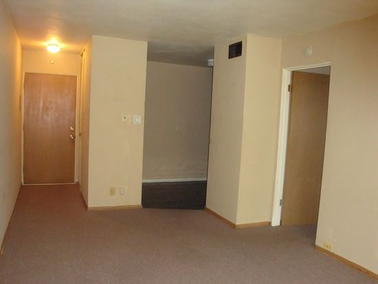 3601 Holly Hills Blvd APT 18, Saint Louis, MO 63116