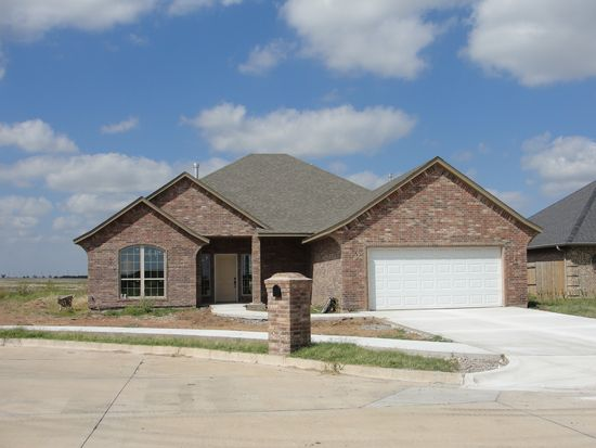 405 SW 84th St, Lawton, OK 73505