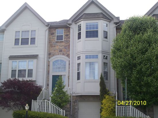 4089 Lalique Ln, Center Valley, PA 18034