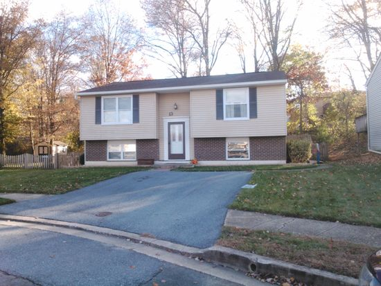 13 Rozina Ct, Owings Mills, MD 21117