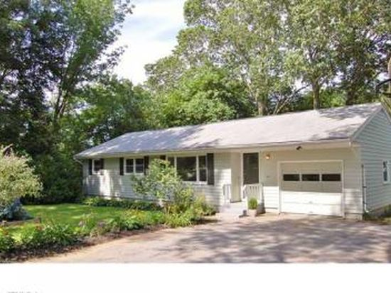 75 Mullen Hill Rd, Waterford, CT 06385