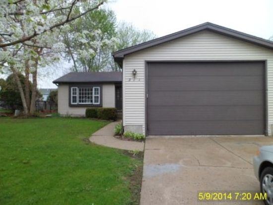 311 S Windhaven Ct, Mchenry, IL 60050
