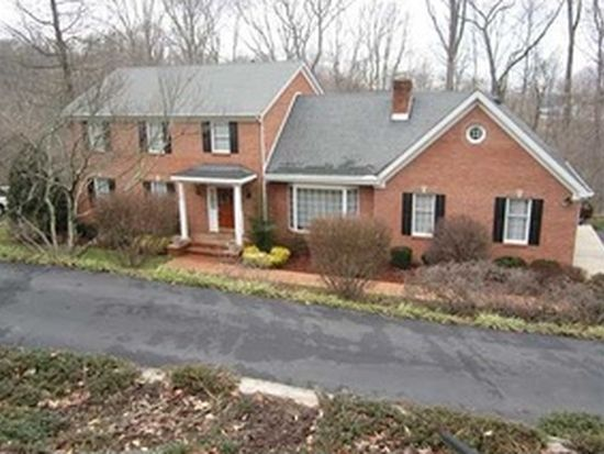 20 E Coventry Woods, South Charleston, WV 25309
