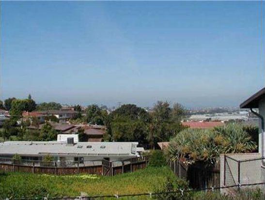 2425 Poinsettia Dr, San Diego, CA 92106